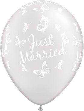 "Qualatex Latexballon Just Married Butterflies-A-Round Pearl White 28cm/11"" 25 Stück"